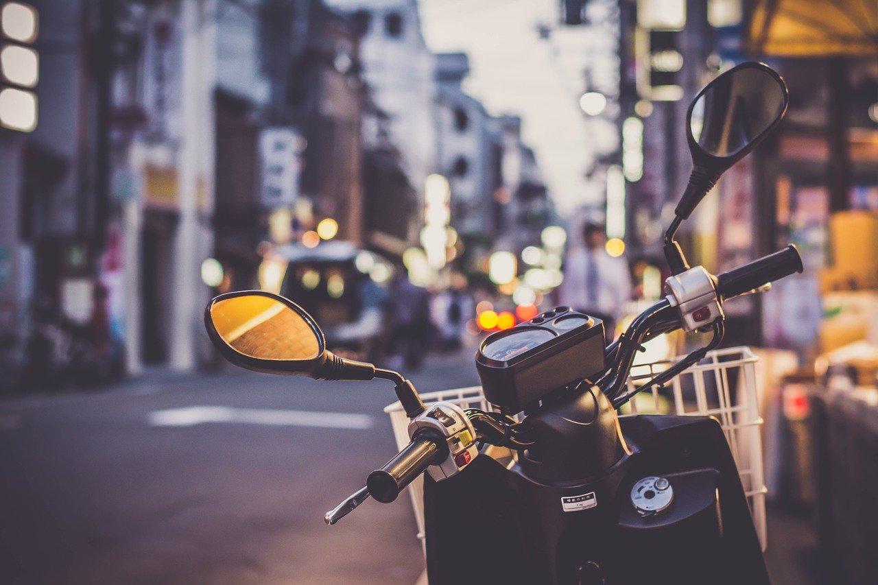 Jak zadbać o skuter miejski?